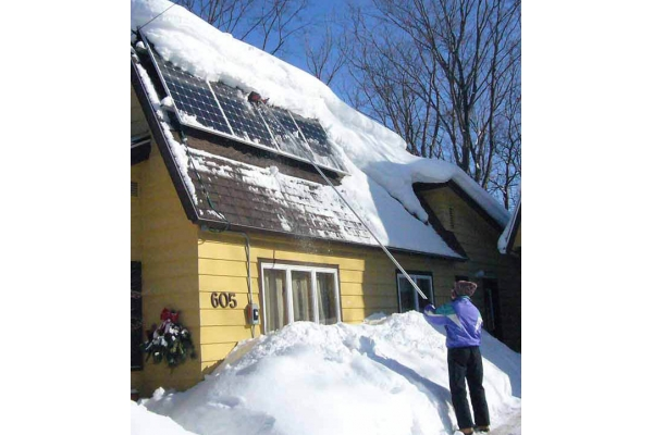 A 'How to' guide on Solar Panel Snow Removal